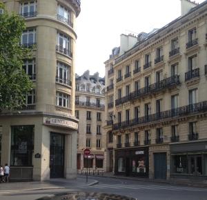 Central Paris - so stylish...